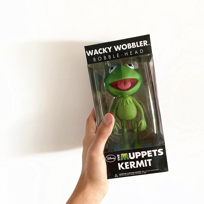 Street Fashion Kermit the Frog Cool Action Figure Toy Garage Kit Description