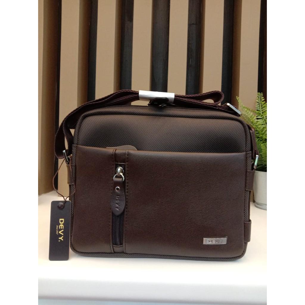 กระเป๋าสะพายข้าง DEVY รุ่น2108-1สีน้ำตาล