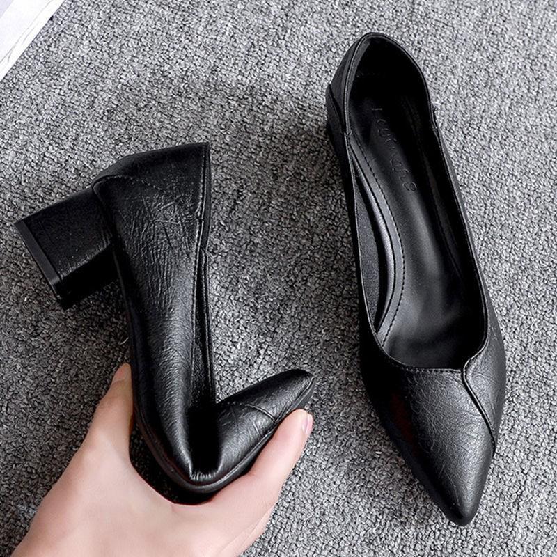 รองเท้าส้นสูง หัวแหลม ส้นเข็ม ใส่สบาย New Fshion รองเท้าคัชชูหัวแหลม  รองเท้าแฟชั่นรองเท้าผู้หญิงปีใหม่ใหม่ทุกการจับคู่ห