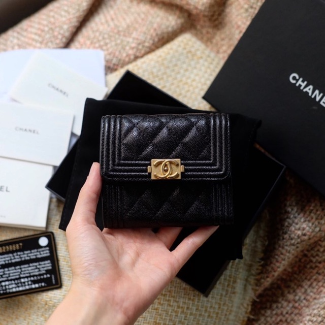 Chanel boy wallet tri fold holo 26