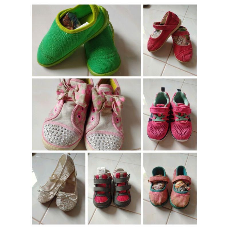 รองเท้าเด็ก มือสอง แบรนด์ มีหลายแบรนด์  ผ้าใบ คัชชู ลุยน้ำ เดินป่า