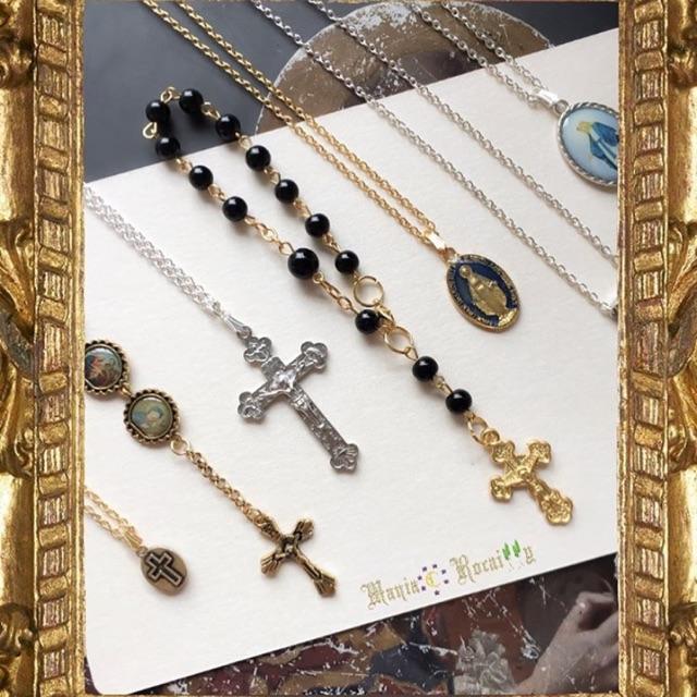 พร้อมส่ง🚚เก็บปลายทาง✌🏻 คลิ๊กเข้ามาดูมีหลายแบบ🤨 สร้อยไม้กางเขน กำไลพระเยซู rosary สายสตรีทสายฝอ มากมาย🖤🖤🖤