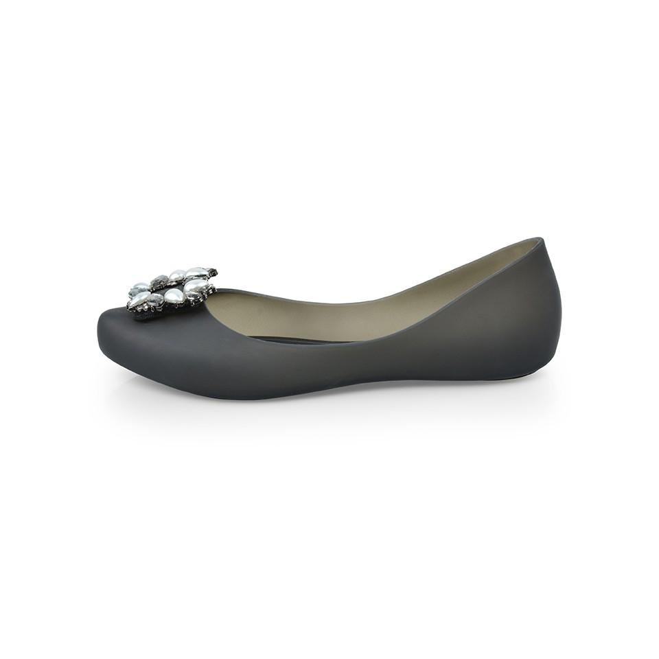 รองเท้าคัชชู ยาง หัวแหลม ส้นแบน POLO CLUB P1854 สีดำ