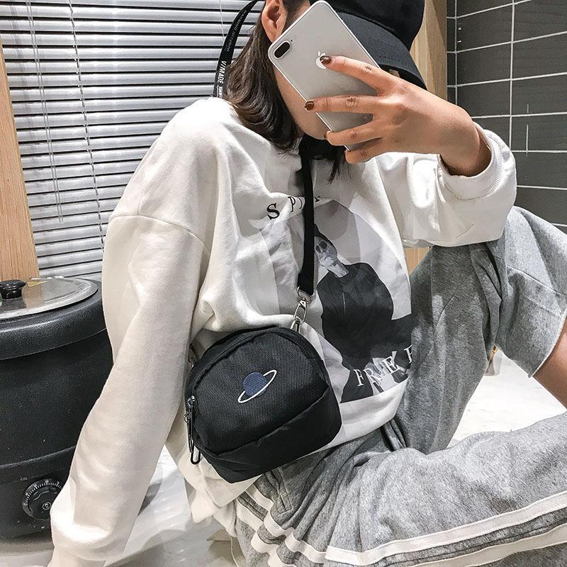 กระเป๋าผ้าใบพิมพ์ลายดาวขนาดใหญ่ anello กระเป๋าสะพายข้าง coach พอ กระเป๋า sanrio gucci marmont gucci dionysus bag วินเทจ