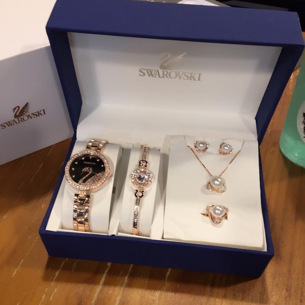 Swarovski / ของแท้ Swarovski นาฬิกาผู้หญิงแฟชั่นหงส์ควอตซ์ดูเพชรคริสตัลนาฬิกากล่องของขวัญบรรจุภัณฑ์ห้าเครื่องประดับสร้อย