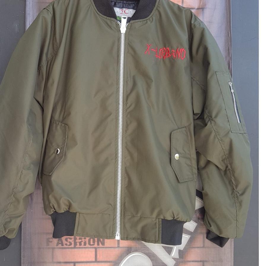 เสื้อแจ็คเก็ตบอมเบอร์ / เสื้อแจ็คเก็ต Sukajan Bomber Jacket A080 - - - -