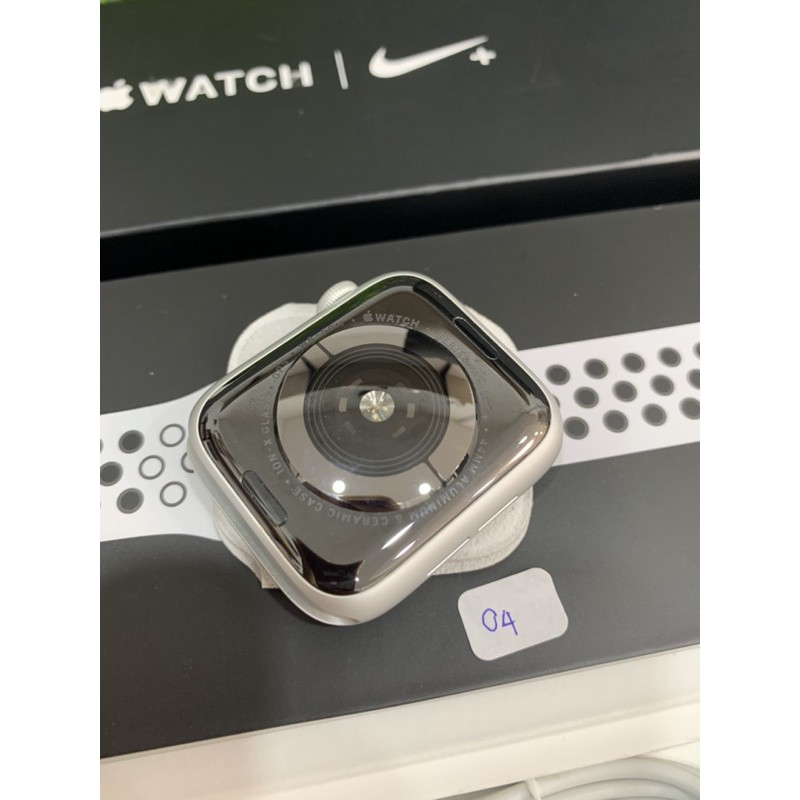 Apple watch series 4 44mm สีเงิน gps
