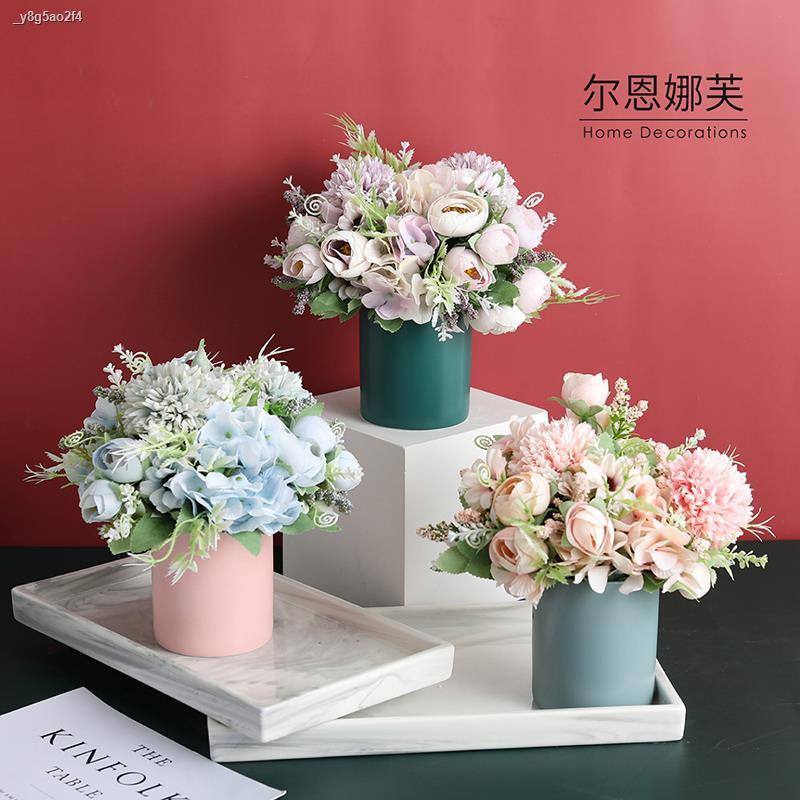 การจำลองพันธุ์ไม้อวบน้ำ☒>ผู้ชาย กุหลาบไฮเดรนเยียจำลอง ดอกไม้ ชุดตกแต่ง ดอกไม้ปลอม ตกแต่งห้องนั่งเล่น กระถางดอกไม้ตกแต่งบ