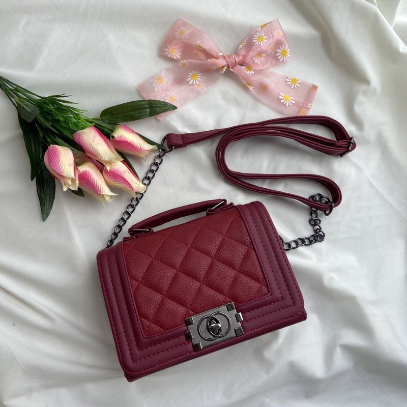 ✨พร้อมส่ง✨ กระเป๋าสะพายข้างทรง Chanel Boy 🍒