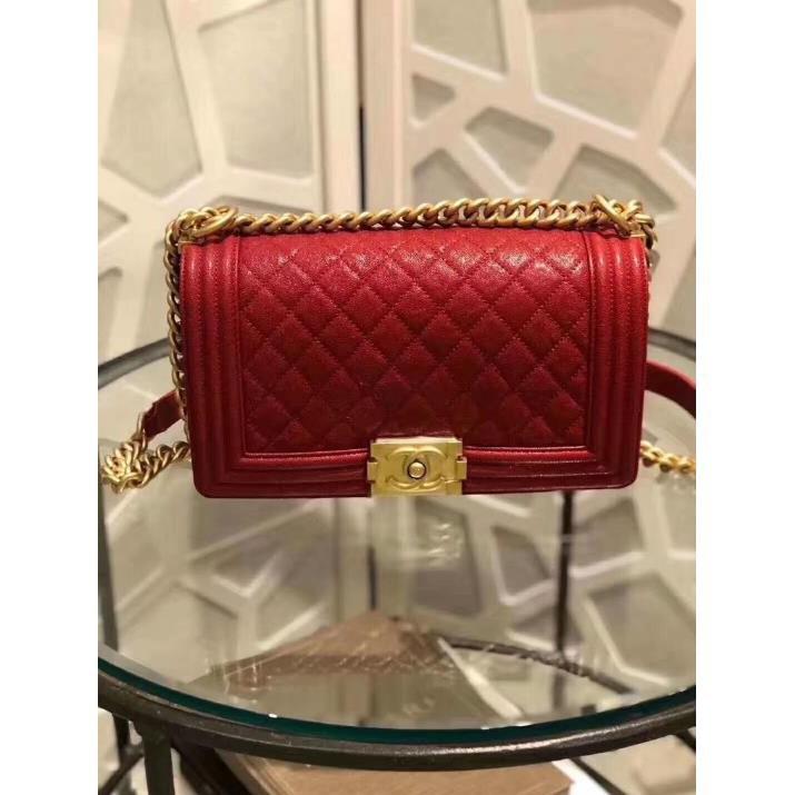 [GR]เคาน์เตอร์แบรนด์แท้ CHANEL คลาสสิกใหม่ BOY CHANEL กระเป๋าสตางค์โซ่หนังกรวดสีแดงพร้อมหัวเข็มขัดทองแล