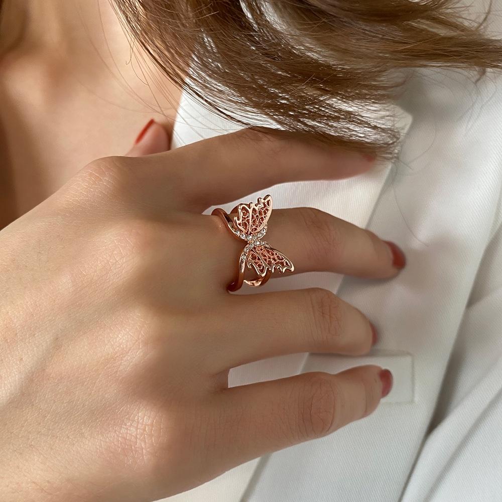 แหวนผีเสื้อแฟชั่นย้อนยุคคัตเอาท์ผู้หญิงลมเย็นสองชั้นเปิดแหวนปรับได้ แหวนอินฟินิตี้ แหวนพระ แหวนทอง1สลึง