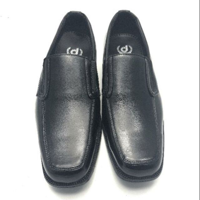รองเท้าคัชชูหนังสีดำ