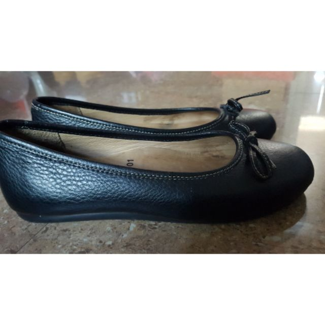 รองเท้าคัชชูสีดำพื้นนิ่มใส่สบาย