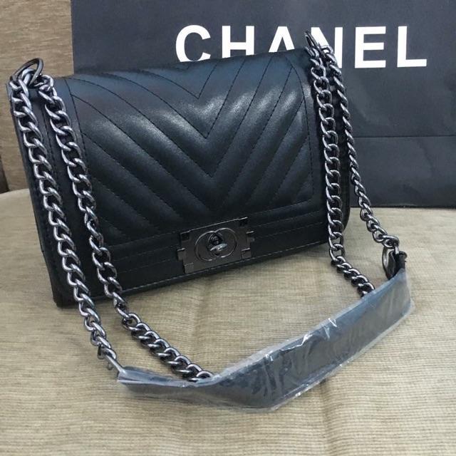 Chanel boy หน้าวี ขนาด 8 นิ้ว
