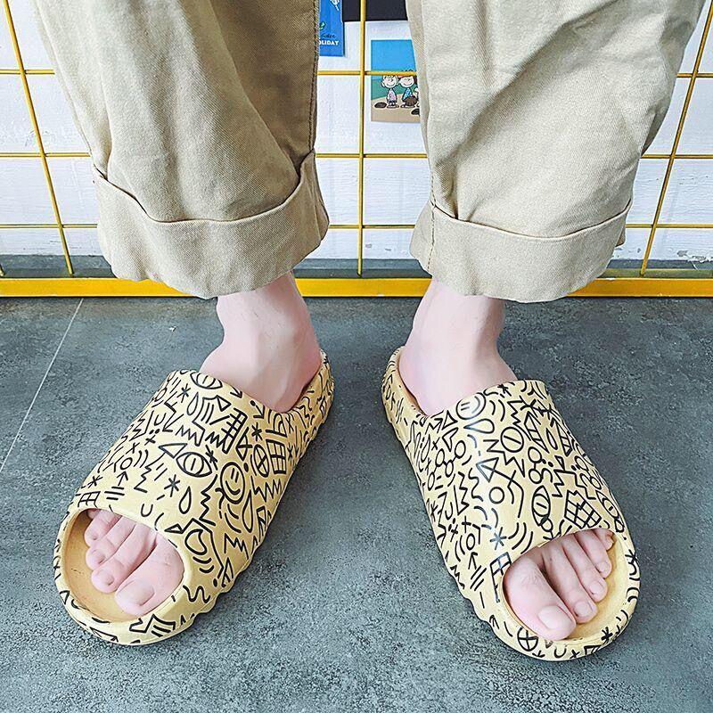 ( New ) Yeezy Slide Kaws รองเท้าแตะลําลองสําหรับ Unisex