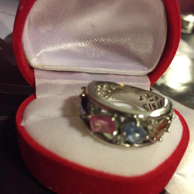 แหวนเงินแท้ชุบเคลือบทองคำขาวพลอยหลักสีราคาพิเศษจัดส่งฟรีไซด์ 53ราคา 1999 บาทส่งฟรีบาท