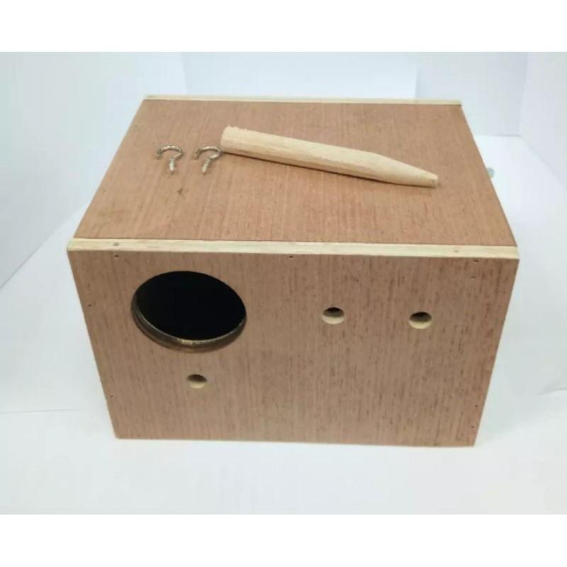 รังเพาะนก กล่องนก รังนกหงษ์หยก  กล่องนอน กล่องนก บ้านไม้นก