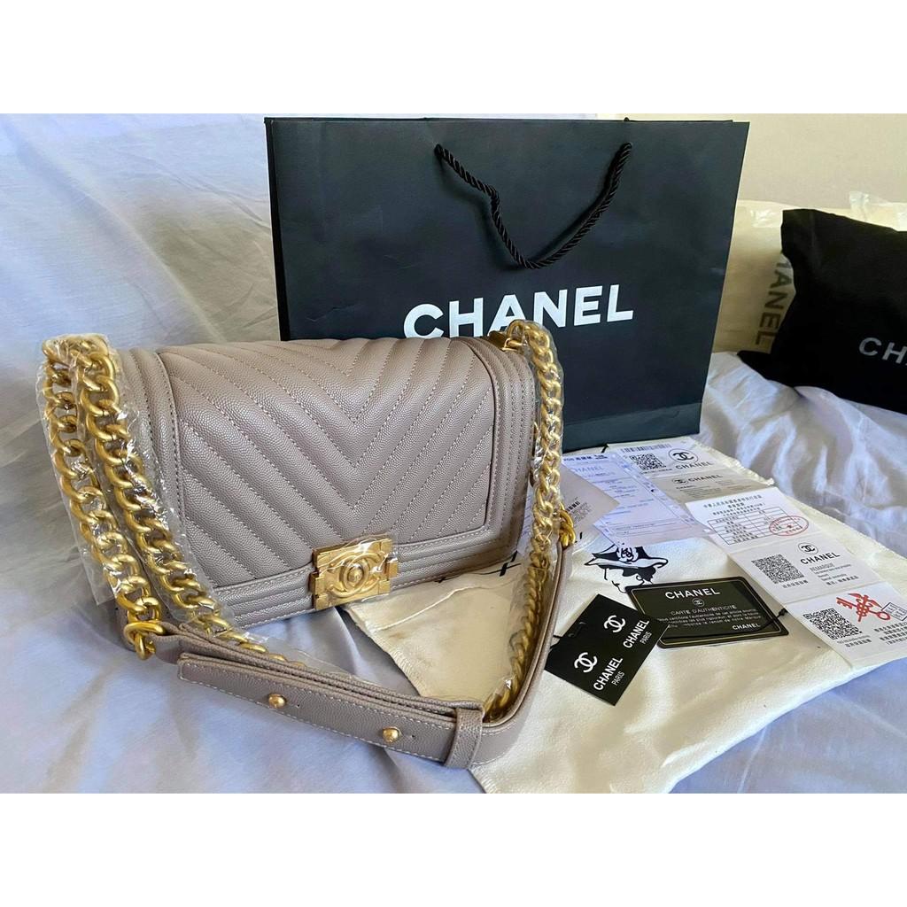 """กระเป๋า Chanel Boy 10"""""""