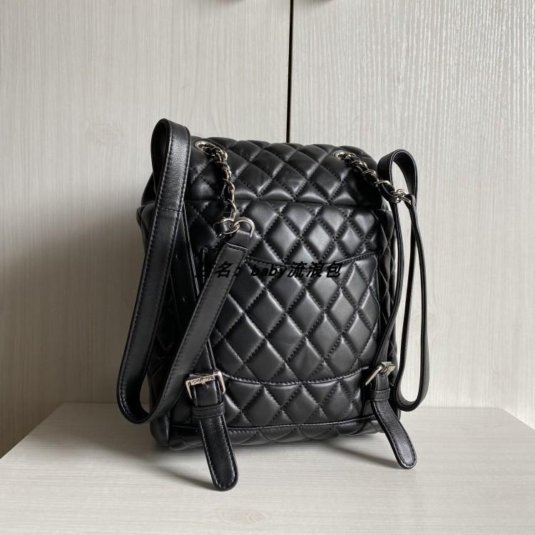 ▣✳♈คลาสสิกขนมเปียกปูนกระเป๋าเป้หนังผู้หญิงกระเป๋าเป้สะพายหลังเดินทางสบาย ๆ กระเป๋านักเรียนพลิกหญิงกระเป๋าใบเล็ก