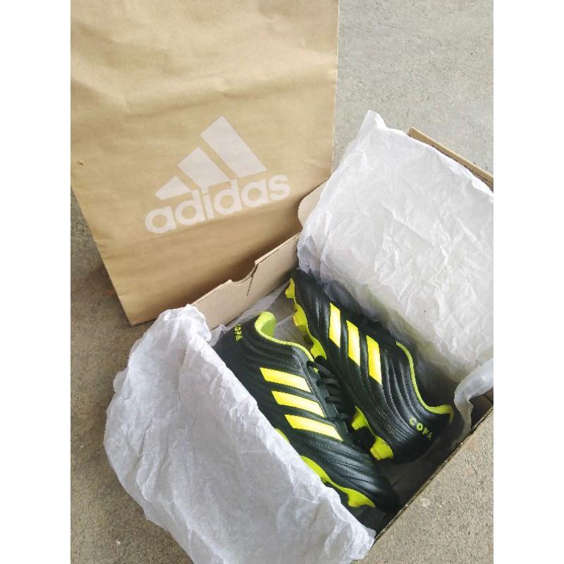 รองเท้าสตั๊ด adidas มือสอง สภาพดีราคาถูก