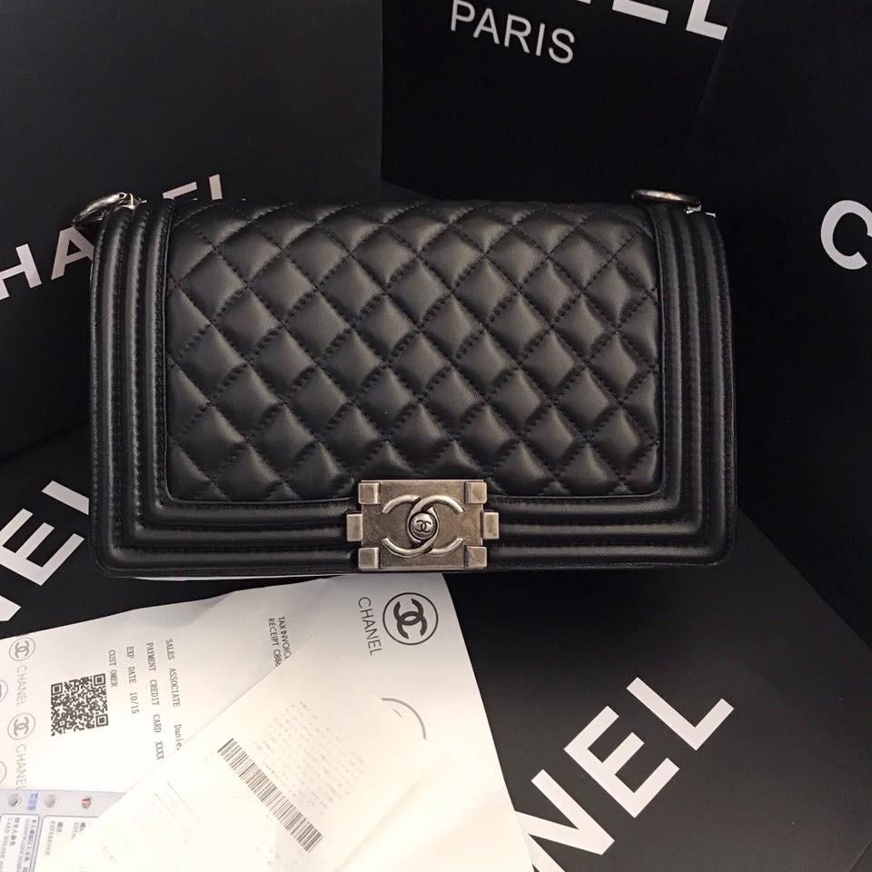 กระเป๋า Chanel boy size 10 นิ้ว กระเป๋าสะพายข้าง มีหนังแลมป์แท้ หนังคาเวียร์แท้