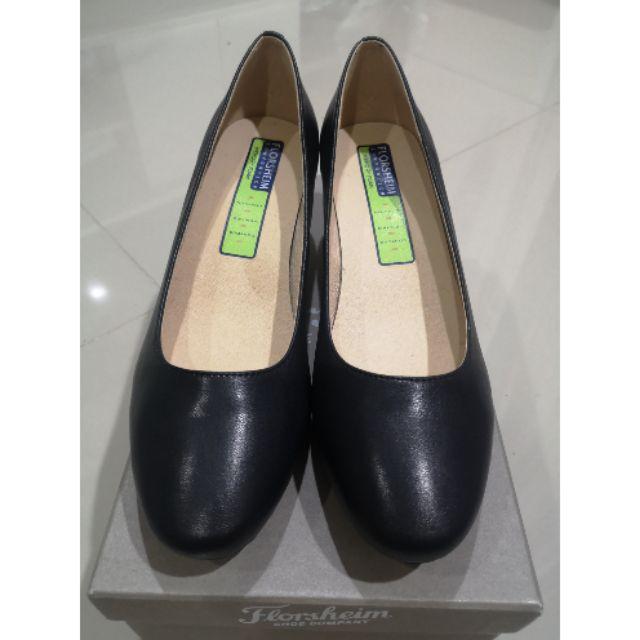 รองเท้าคัชชูสีดำ Florsheim