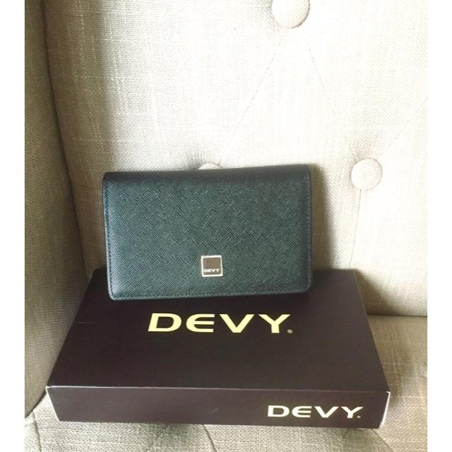 กระเป๋าสตางค์ Devy