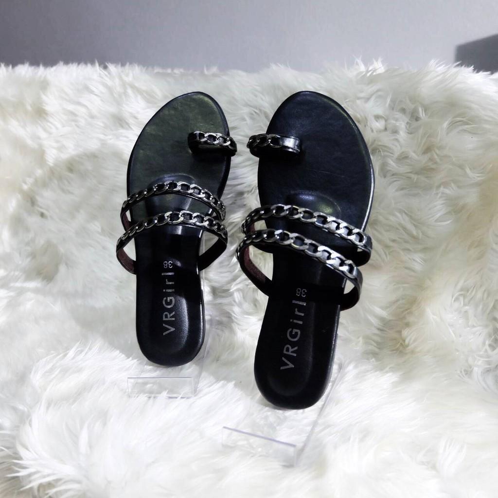 Vrgirls รองเท้าแตะแบบสวม รุ่น JJ โซ่คู่ สีดำ พร้อมส่ง