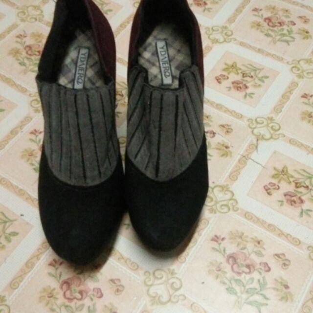 รองเท้าคัชชูกำมะหยี่น้ำตาลดำส้นสูง