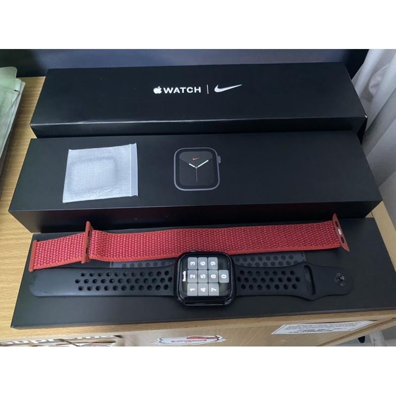 apple watch series 5 nike GPS 44mm.