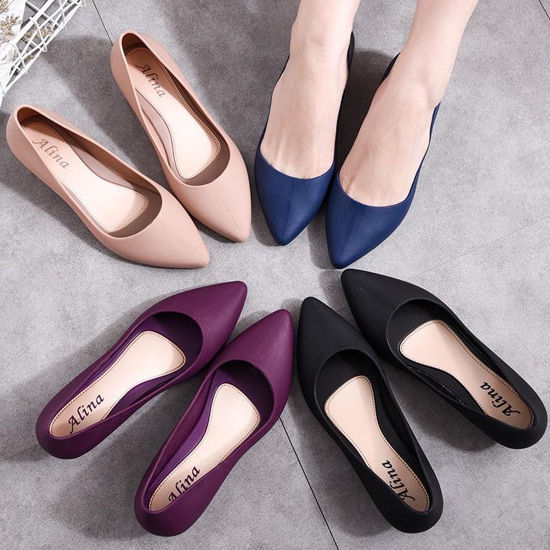 รองเท้าแฟชั่นไหม่ล่าสุด เท้าคัชชูยอดฮิต รองเท้าทำงาน รองเท้าผู้หญิง รองเท้าแฟชั่น รองเท้าสวม รองเท้าใส่สบายนิ่มเท้า T12