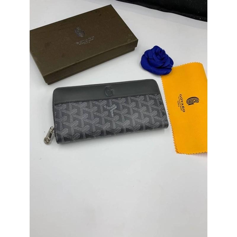 กระเป๋าสตางค์หนังสีเทา Goyard