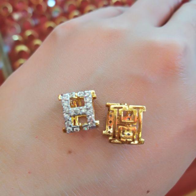 ต่างหูทองแท้ 75% มามอบของขวัญให้คนพิเศษของคุณกันนะคะ น้ำหนักทอง 2.6 กรัม ราคา 5,500บาท