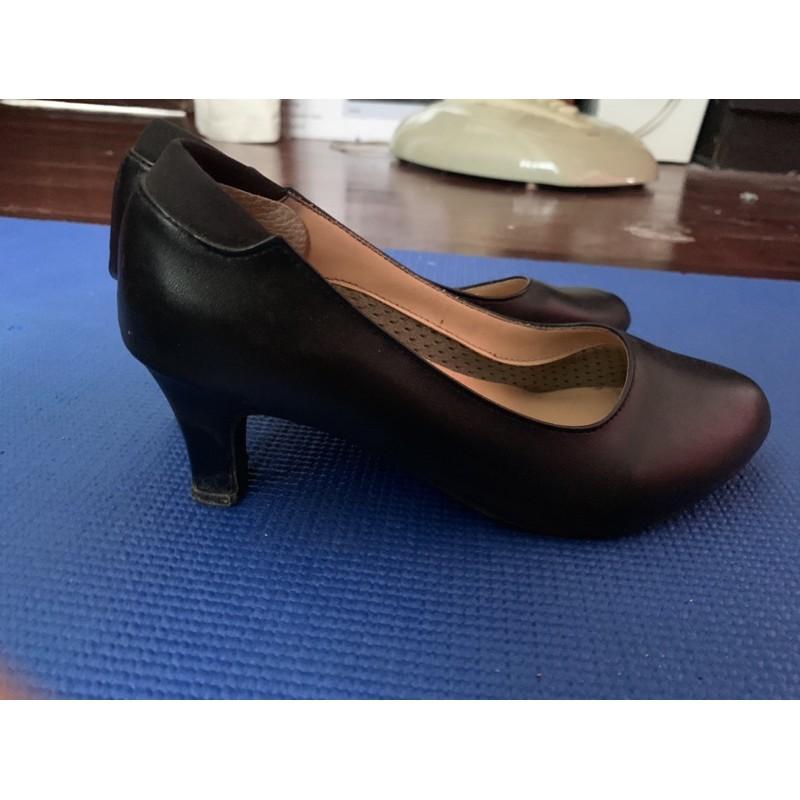 รองเท้าคัชชูผู้หญิงสีดำ ไซส์37