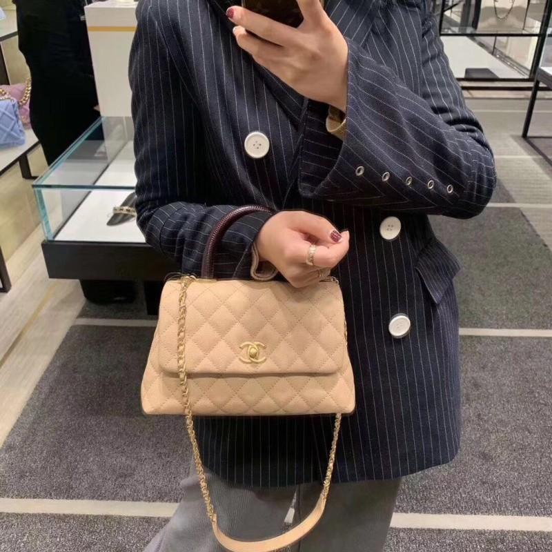 〃❦ กระเป๋ากระเป๋าเดินทาง  กระเป๋าเป้สะพายหลัง★★★❤🔥🔥ซื้อ Chanel Chanel กระเป๋าผู้หญิงคลาสสิก COCO Handle คาเวียร์ลาย V
