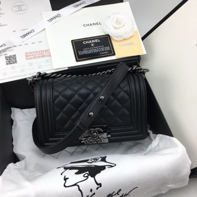 จุด】 Chanel boy mini bag