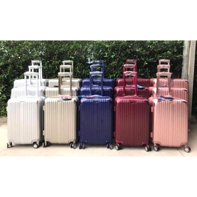 """New‼️ กระเป๋าเดินทางล้อลาก เนื้อโพลีคาร์บอเนต มีขนาด 20""""/24""""/28"""""""