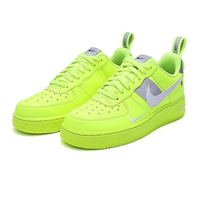 nike air force 1 รองเท้าแตะสีเขียวสะท้อนแสง