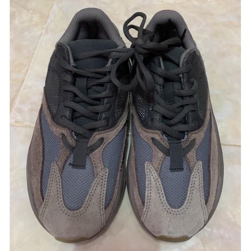 รองเท้ามือสองของแท้ adidas Yeezy Boost 700(36)