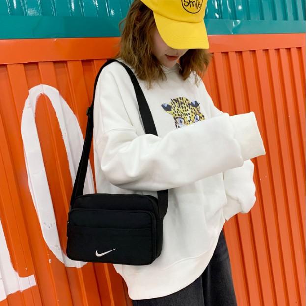【จัดส่งได้ภายใน 24 ชั่วโมง】[แท้】Nike_ไนกี้ กระเป๋าแฟชั่นของแท้จาก กระเป๋าสะพายข้าง กระเป๋าเดินทาง bag กระเป๋าสะพาย