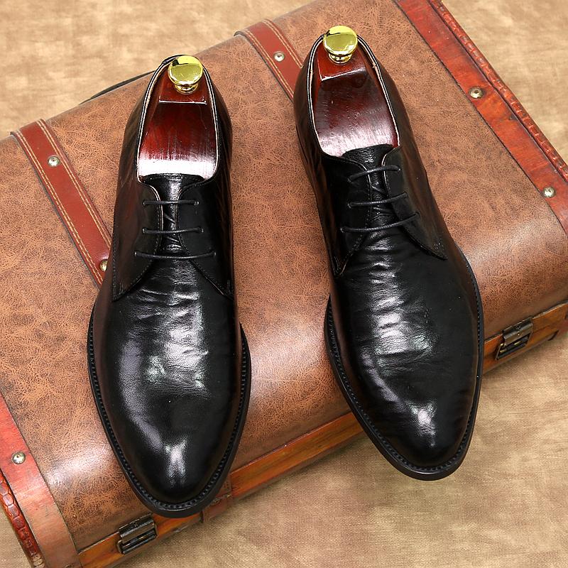รองเท้าคัชชูหัวแหลม ใหม่ฤดูใบไม้ผลิและฤดูใบไม้ร่วงเวอร์ชั่นยุโรปของรองเท้าดาร์บี้ชี้รองเท้าชุดธุรกิจระบายอากาศหนังแกะรอง