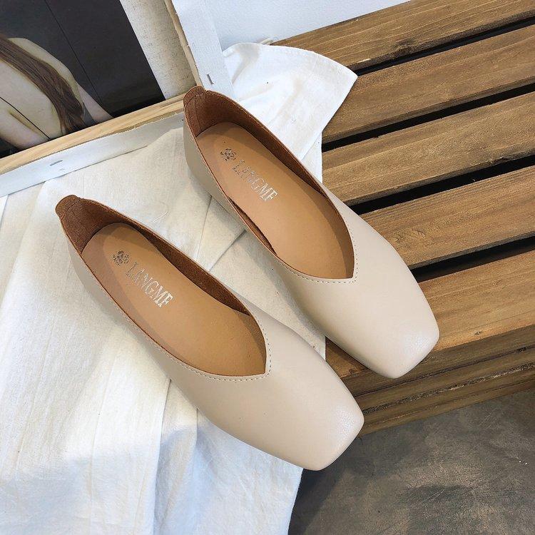 รองเท้าคัชชูผู้หญิง รองเท้าคัชชู หัวแหลม รองเท้าโลฟเฟอร์ รองเท้า แฟชั่น  พื้นแบนนิ่มสวมใส่สบาย