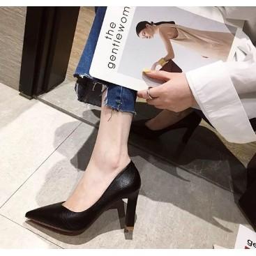 ►☜﹊รองเท้าส้นสูงหัวแหลม ทรงสวย ✨รองเท้าคัชชูผู้หญิง/ 2.7 ฟุต