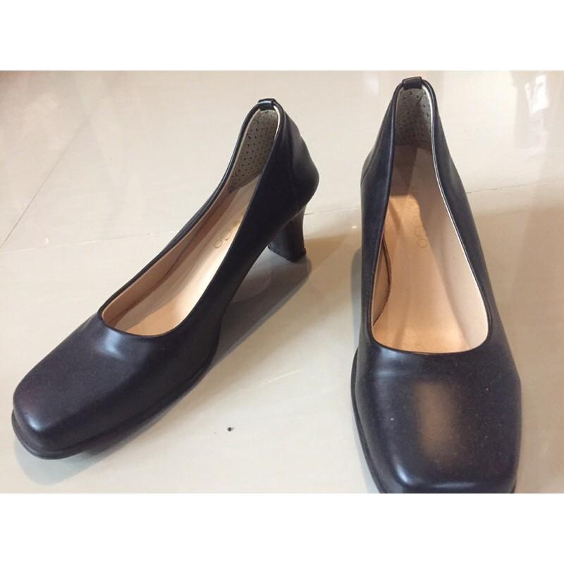 รองเท้าคัชชู คัชชูสีดำ