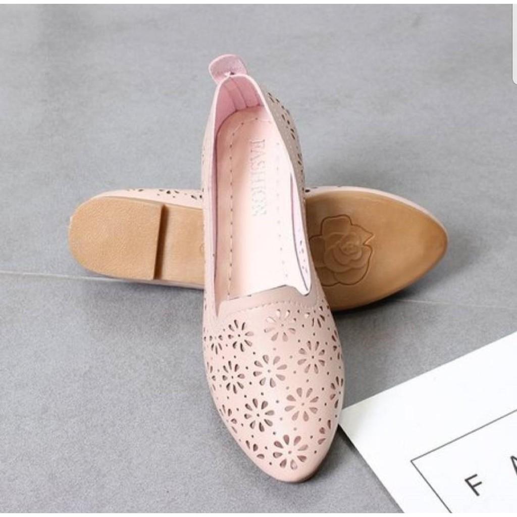 รองเท้าคัชชูผู้หญิงส้นเตี้ย รองเท้าส้นแบนหุ้มส้นสำหรับผู้หญิง รองเท้าทรงสุภาพ รุ่น F090