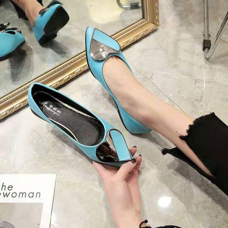 ✨✨รองเท้าหุ้มส้นหัวแหลม ผู้หญิง รองเท้าส้นสูงแฟชั่นขายดี รองเท้าคัชชูส้นสูง  F081 ✨✨