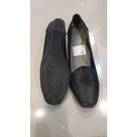รองเท้า คัชชู สีดำ เบอร์ 39-40 สภาพตามภาพ