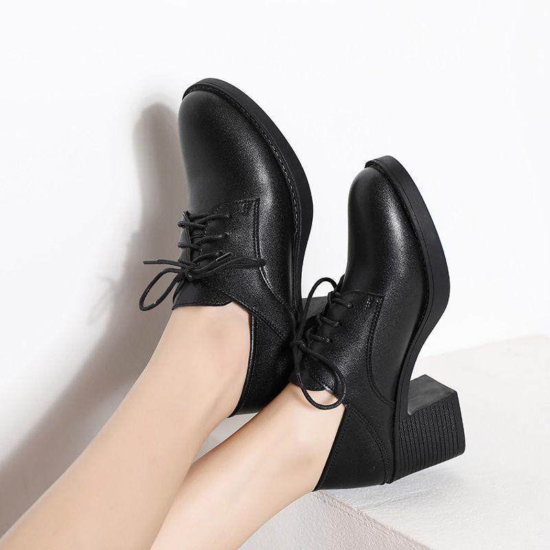 รองเท้าคัชชูส้นเตารีด รองเท้าหนังสีดำรองเท้าหนังผู้หญิง รองเท้าผู้หญิงมืออาชีพหนากับรองเท้าเดียวรองเท้าผู้หญิงรองเท้าผู้
