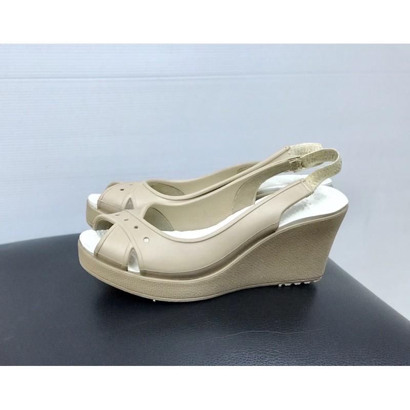 รองเท้าคัชชู Crocs ของแท้ ส้นเตารีด