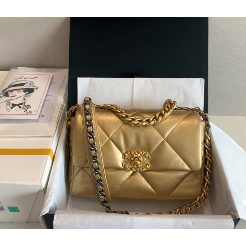 Chanel 19 Flap Bag Gold leather VIP